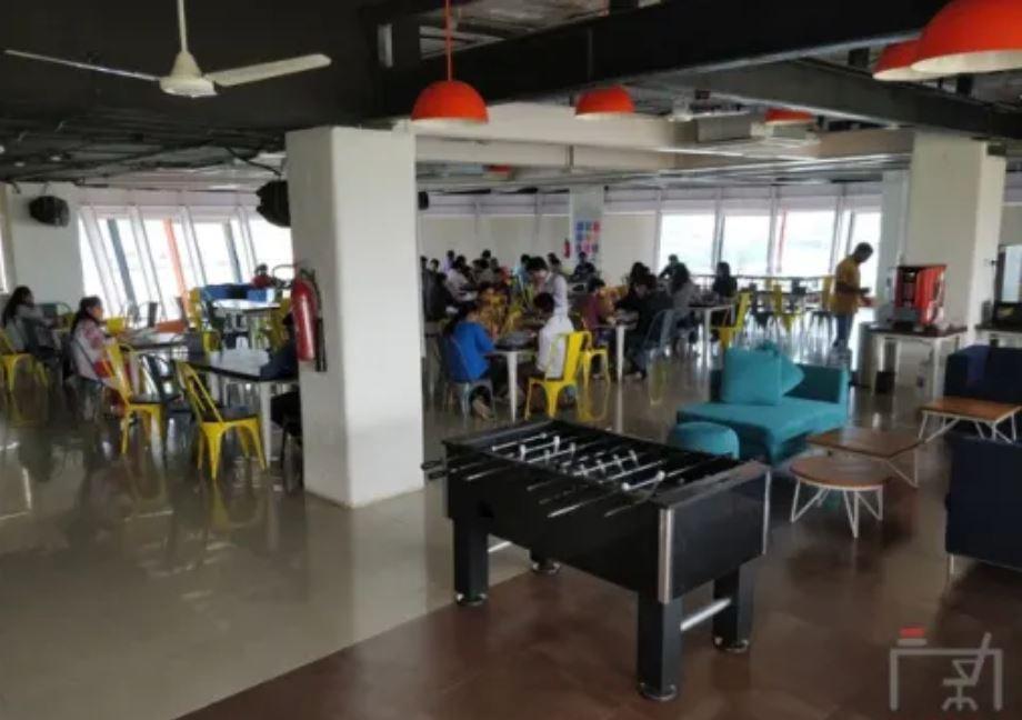 91Springboard Ackruti Trade Centre
